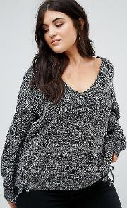 Relaxed Jumper With Threading