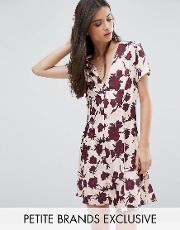 button front short sleeve dress in floral print