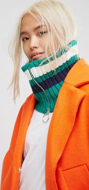green stripe snood with ring zip pull