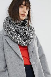 woven check snood with zip and ring pull