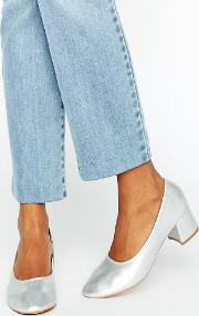 silver mid heeled shoes