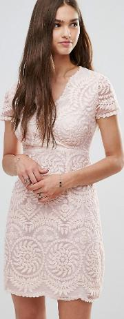 short sleeve lace shift dress