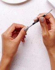 Expert Cuticle Pusher & Nail Cleaner