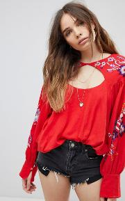 Lita Embroide Blouse