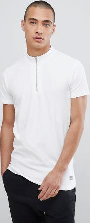 t shirt in white pique with zip neck