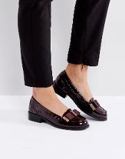 Metal Trim Bow Loafer