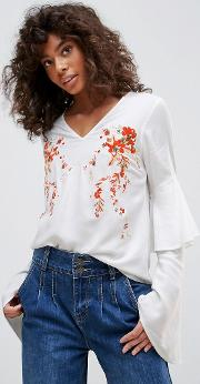 embroidered romantic sleeve blouse