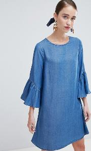shift dress with ruffle sleeve