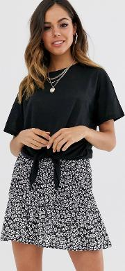Tee With Knot Front