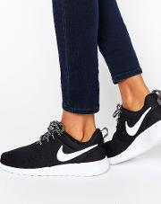 Roshe Trainers  Black And White