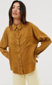 Shirt With Seam And Pocket Detail