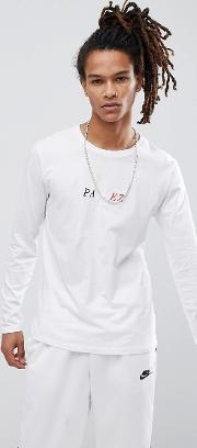 long sleeve t shirt with chest logo in white