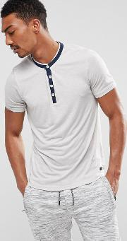 t shirt with contrast y neck
