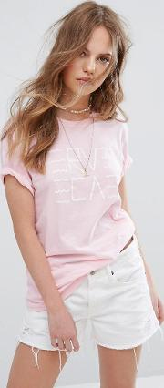 boyfriend t shirt with wavy graphic