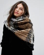 Check Boucle Scarf With Tassels
