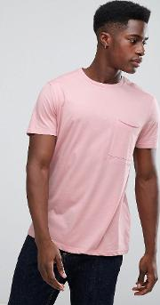 t shirt with sealed pocket in pink