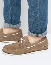 knot suede boat shoes