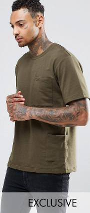 t shirt with side pockets