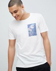crew neck t shirt with chest print