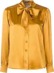 Ultrachic Pussybow Blouse