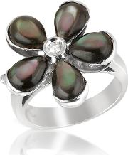 Diamond And Black Mother Of Pearl Flower 18k Gold Ring