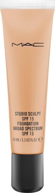 M A C Studio Sculpt Foundation, Nc44