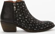 Borba Western Ankle Boots