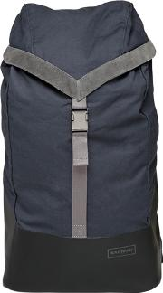 Bust Water Resistant Backpack W Hood