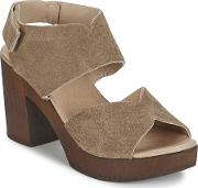 Etiana Women's Sandals In Brown