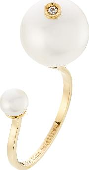 18kt Yellow Gold Pearl Piercing Ring With Diamond