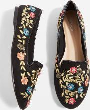 Sweetie Embroidered Pumps