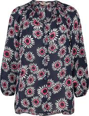 Classic Blouse In Navy Daisy Print